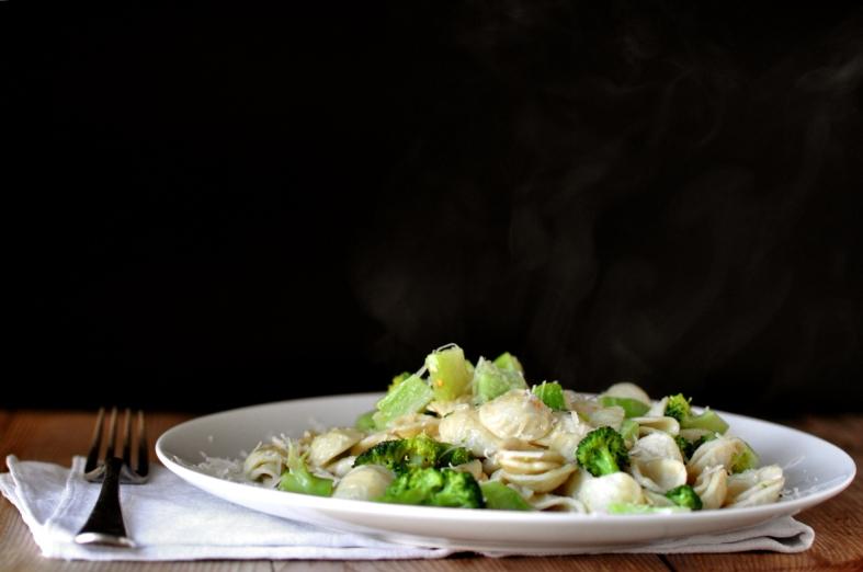 FC&G_orecchiette_ai_broccoli