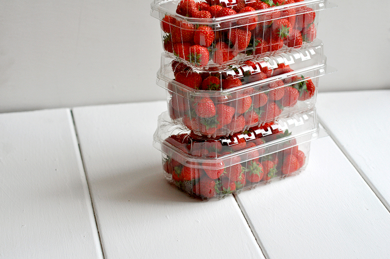 FCG_strawberry_punnets_stacked